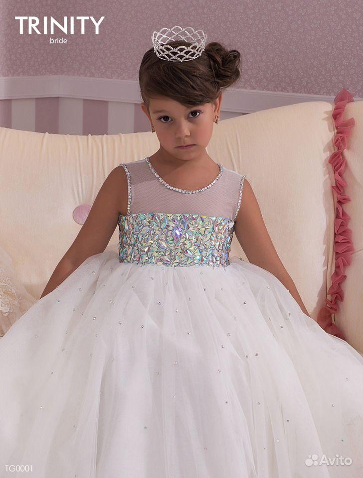 Детское платье в стразах
