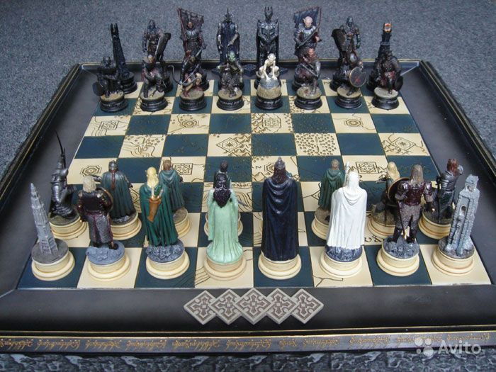 Мы с сыном собираем шахматную серию Властелин колец. Серия под