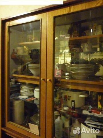 спальный гарнитур в нише окна