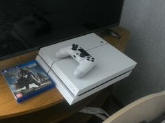 Playstation 4 (PS4) 500 GB white + 35 игр