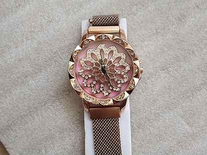 Часы женские с вращающимся циферблатом